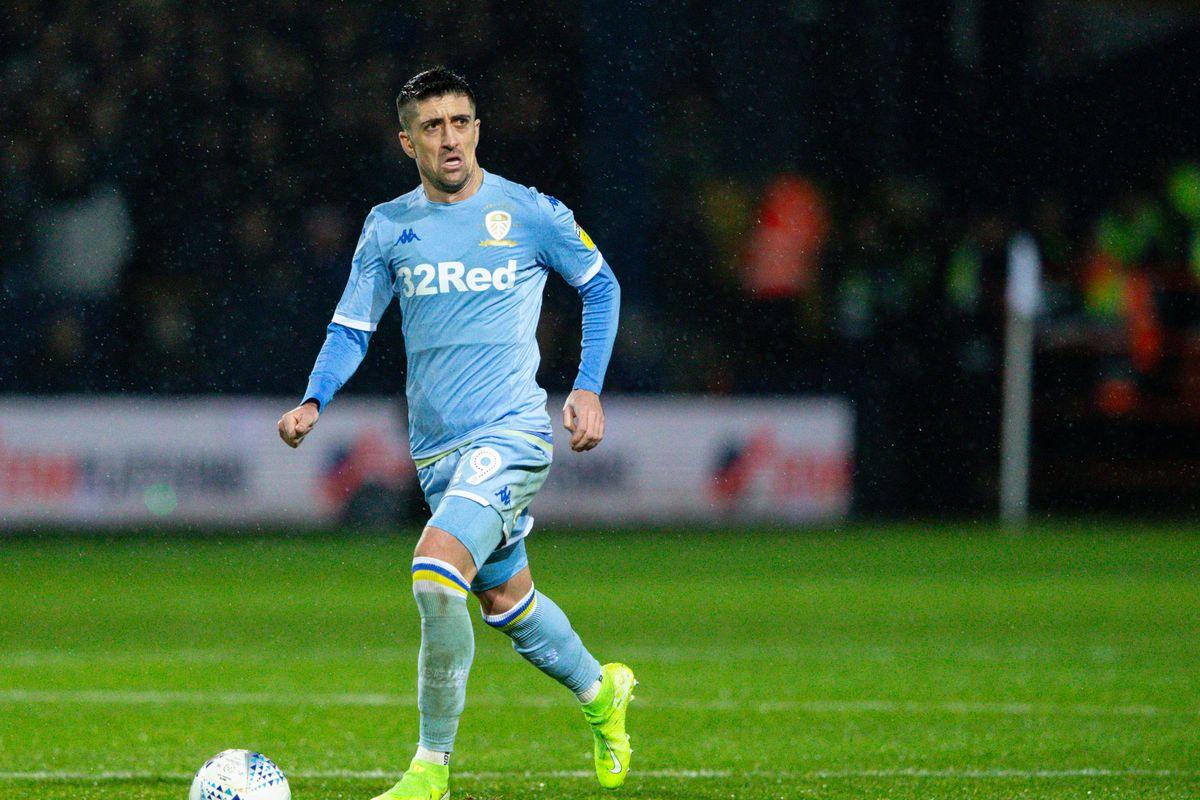 Luton Town v Leeds United - Sky Bet Championship