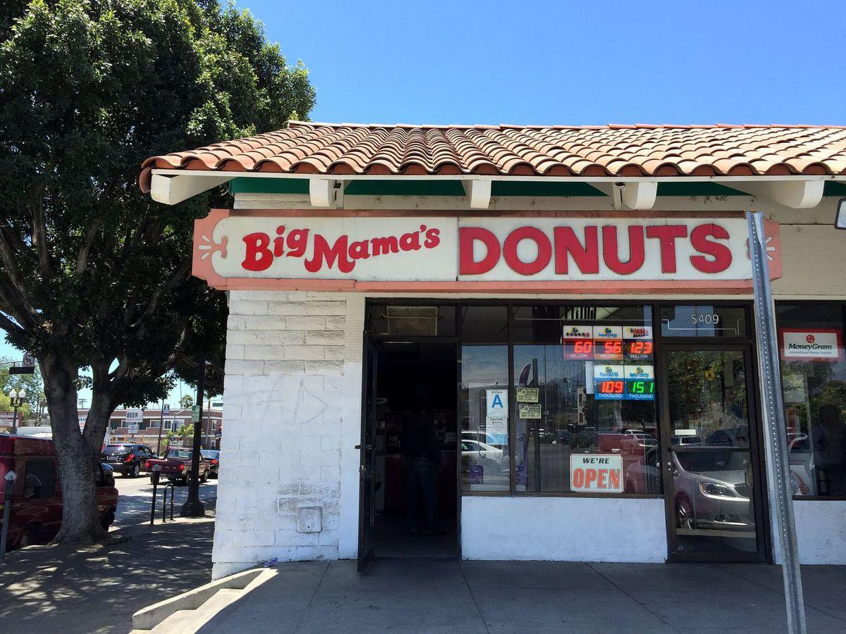 Big Mama's Doughnuts. [Photo: Matthew Kang]