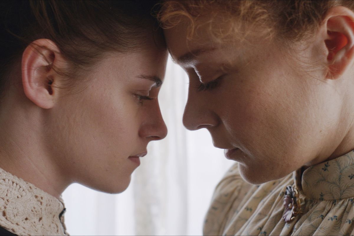 Lizzie Is A Chamber Drama About A Hatchet-Wielding Killer -1252