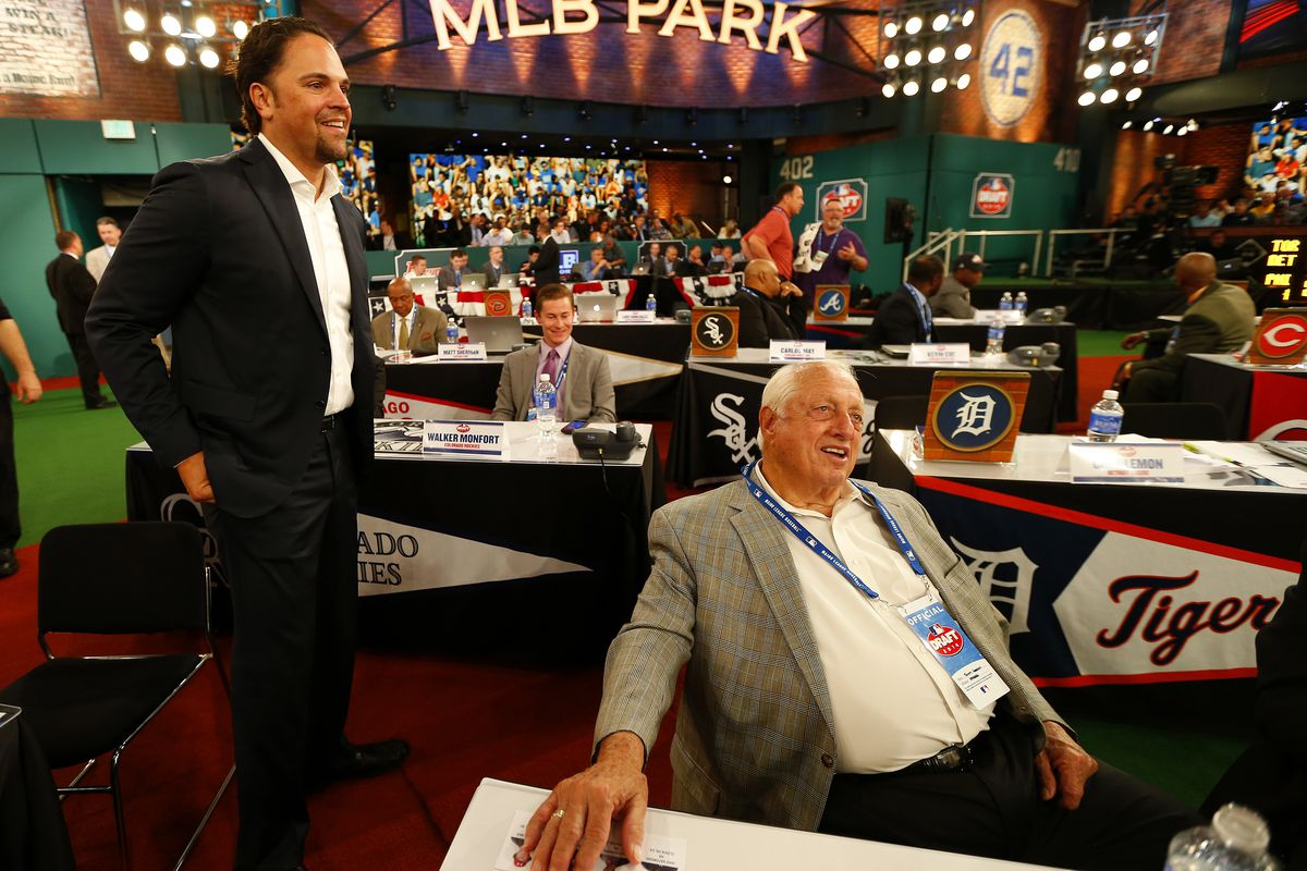 The Dodgers paid 1988 62nd-round pick Mike Piazza a $15,000 bonus to sign.