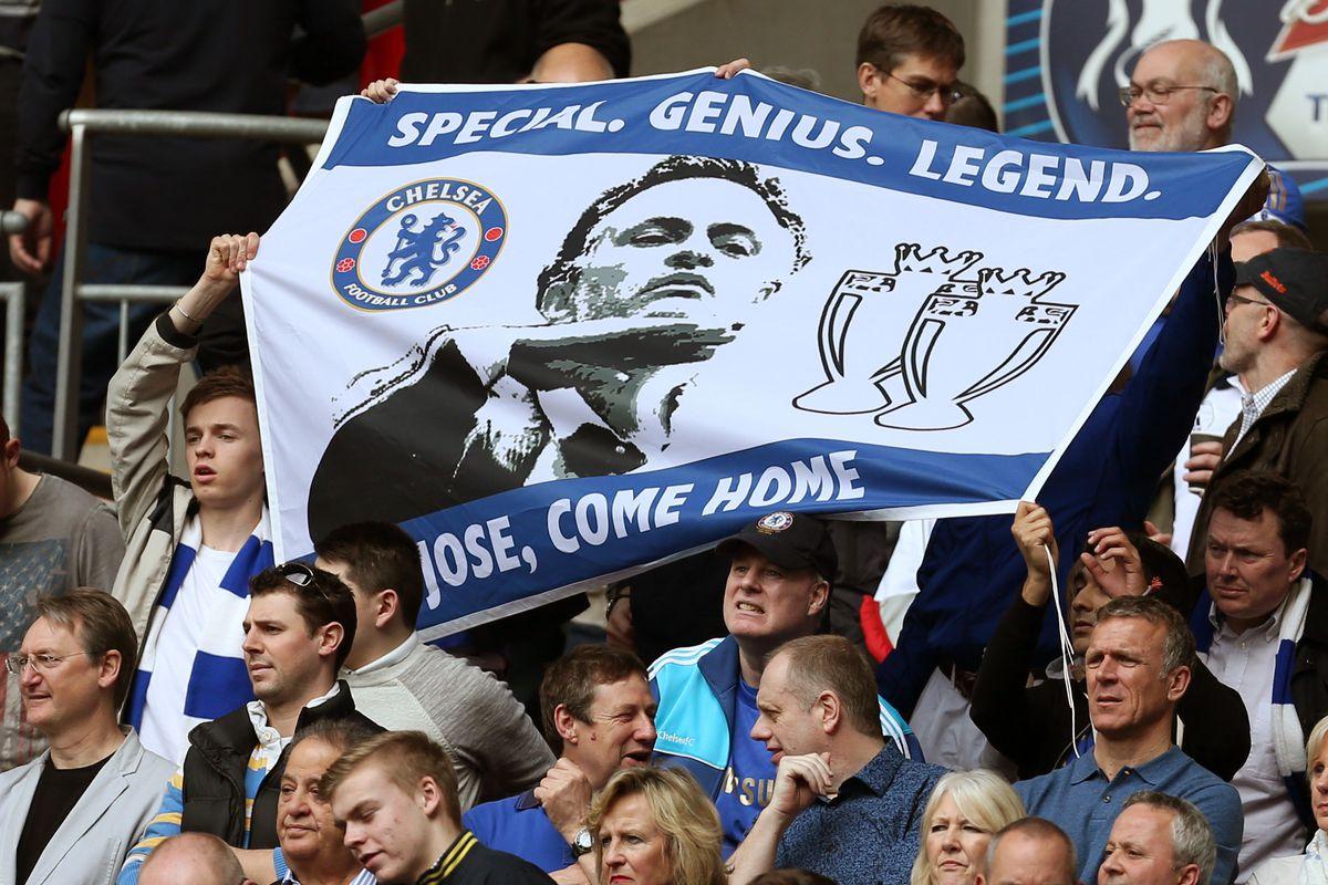 Soccer - FA Cup Semi-Final - Chelsea v Manchester City