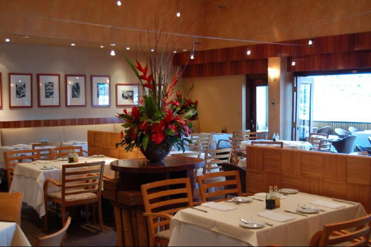 Interior Alan Wong's Restaurant