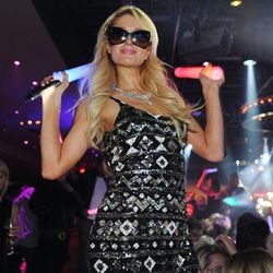 Paris Hilton parties at 1 OAK.