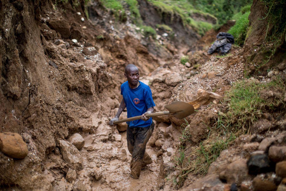 TOPSHOT-DRCONGO-US-ECONOMY-LAWS-MINING-UNREST