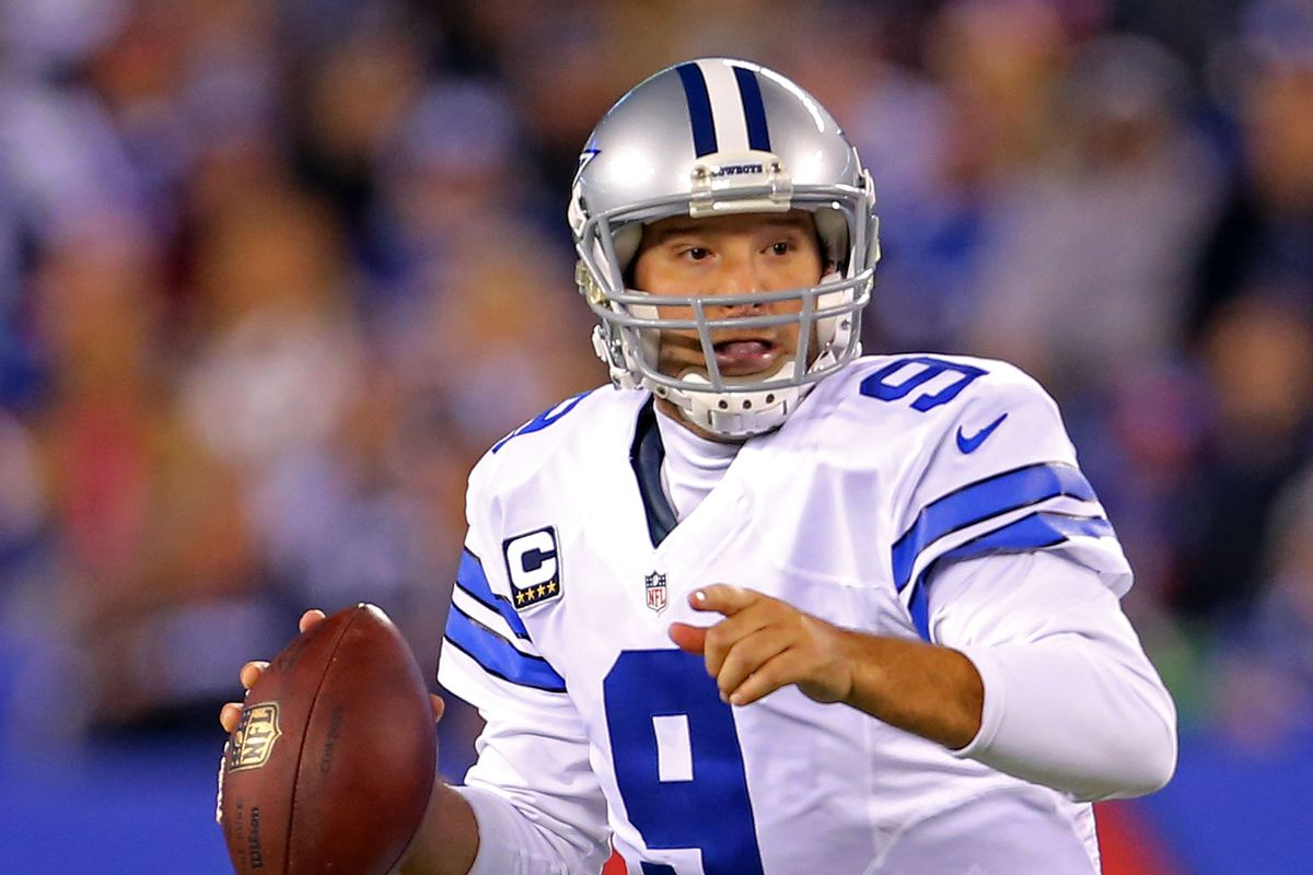No choking this time as Romo leads Cowboys to huge win over Giants.