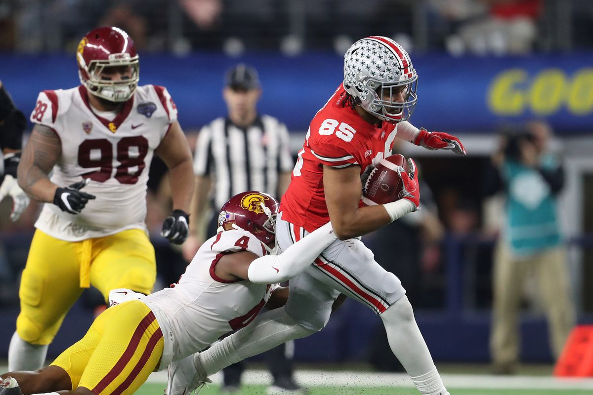 Former Ohio State tight end Marcus Baugh signs with the