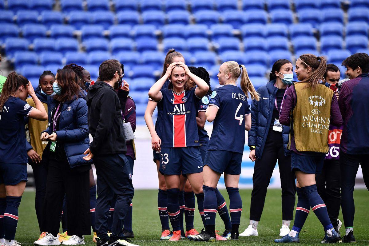 FBL-EUR-C1-WOMEN-LYON-PARIS