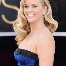 Reese's glamorous waves.