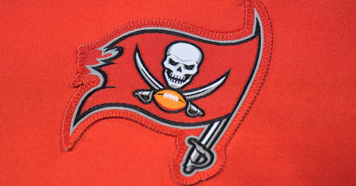 Buccaneers officially unveil new uniforms