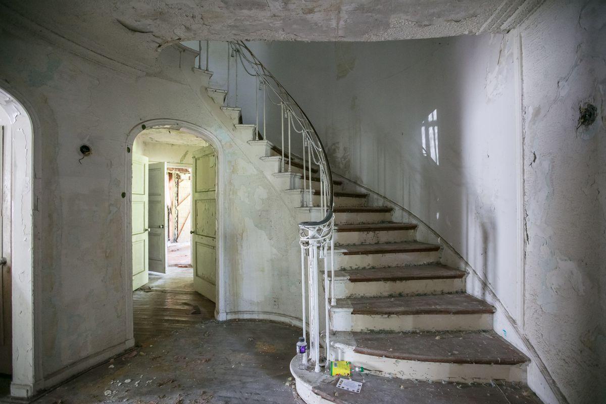 Inside A Famed North End Home Pre Renovation Curbed Detroit