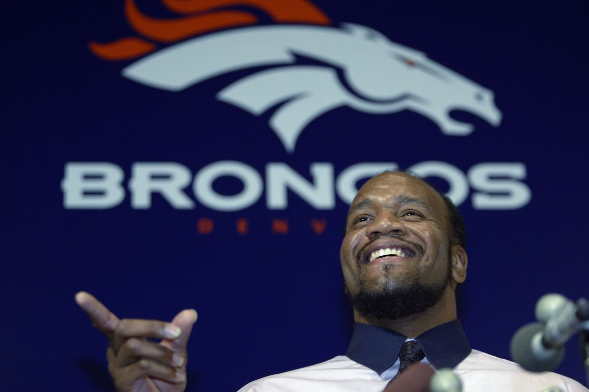 Gardener signs with Broncos
