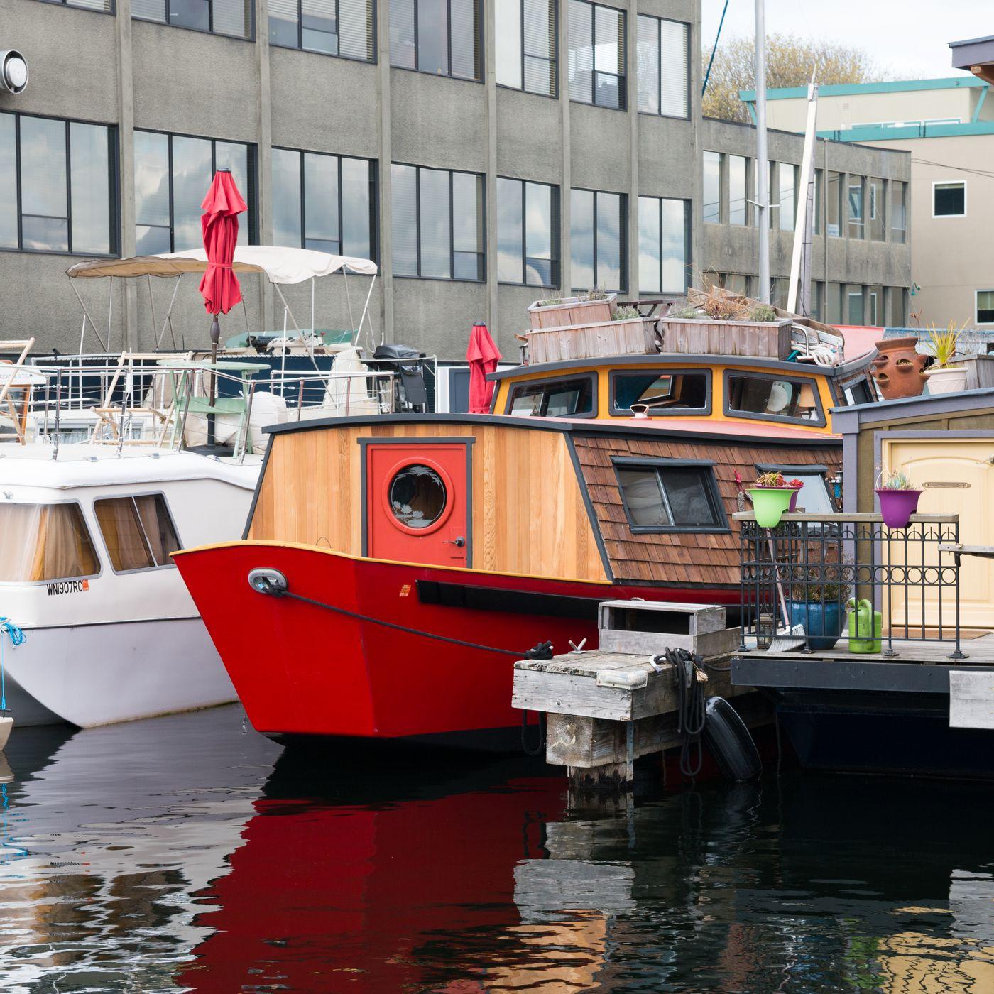 houseboat rentals cape cod