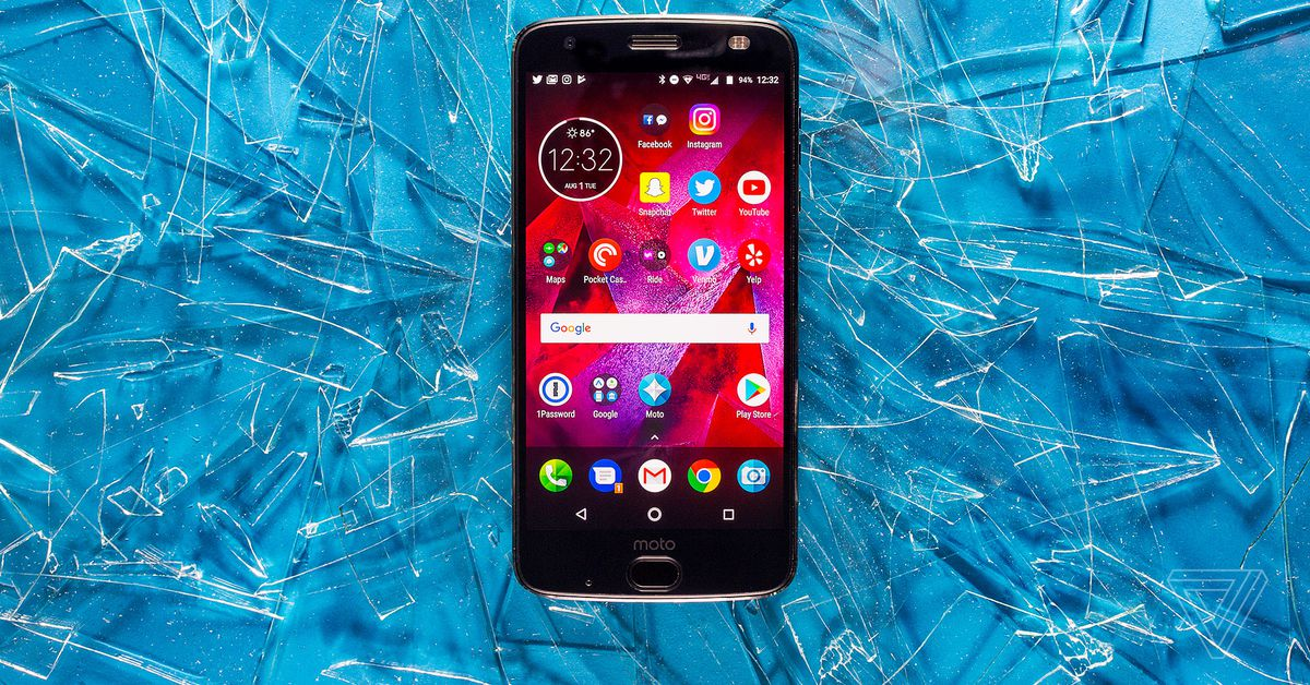 Motorola's 5G Moto Mod Now Works with its Two-year-old Moto Z2 Force