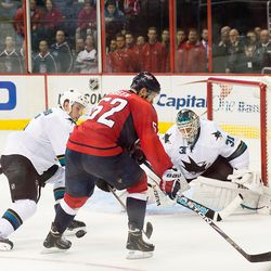 Green Loses Puck in Sharks Zone