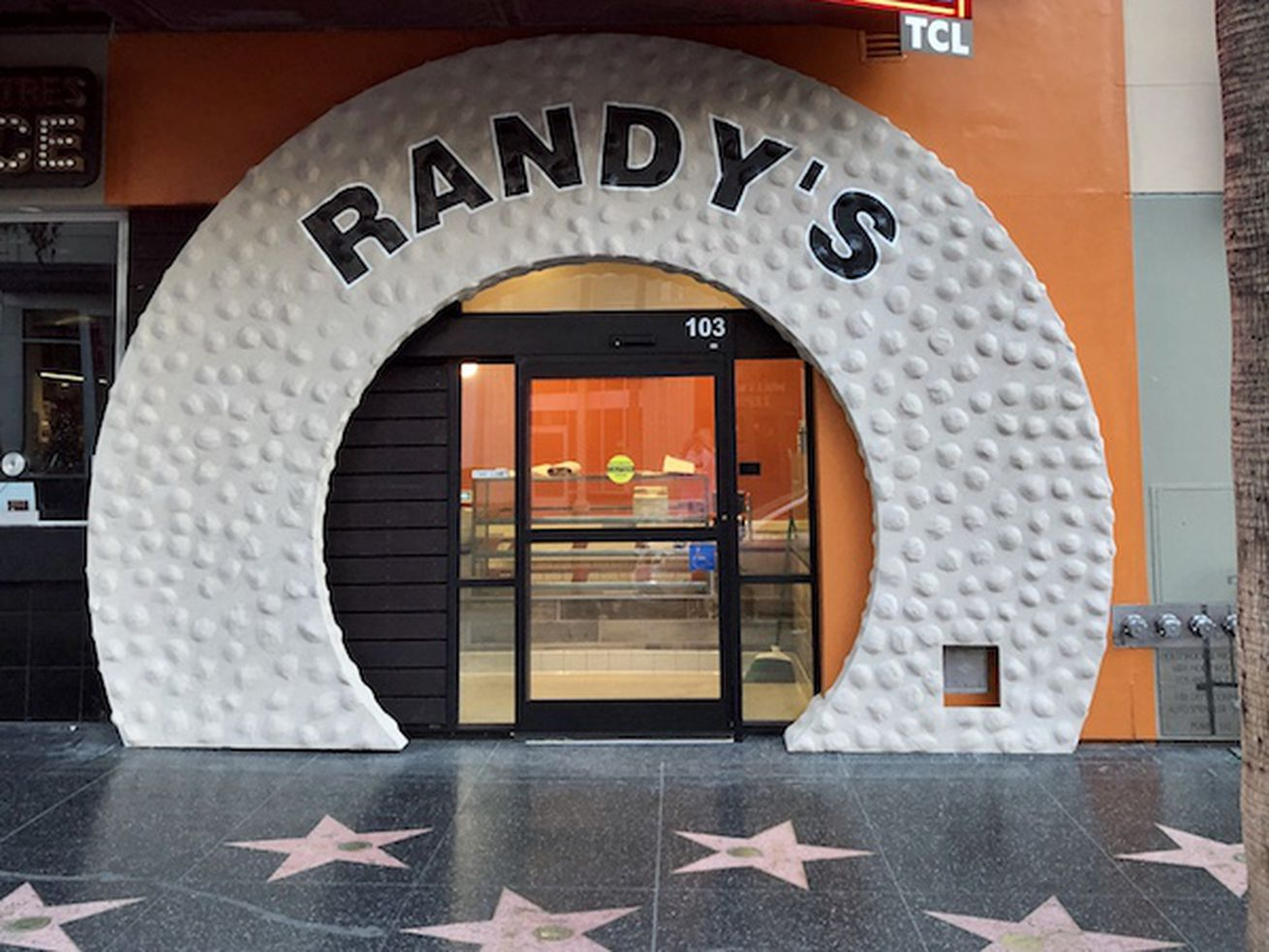 Randy's Donuts in Hollywood