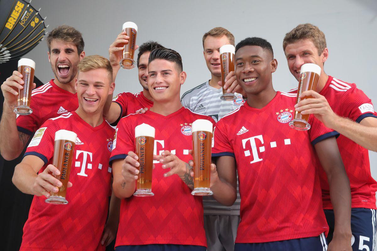 Javier Martinez, Joshua Kimmich, Mats Hummels, James Rodriguez, Manuel Neuer, David Alaba and Thomas Mueller - FC Bayern Muenchen - Champions League