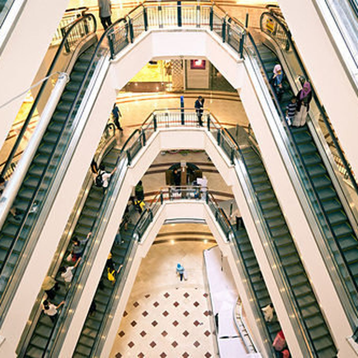 fdd0bffdc3e Where Are They Now  The Great Suburban Mall Store Demise - Racked