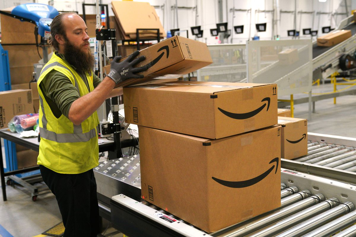 Amazon Opens New Fulfillment Center In Aurora, Colorado
