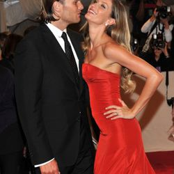 Tom Brady and Giselle Bundchen make being inhumanly gorgeous look like lots of fun.