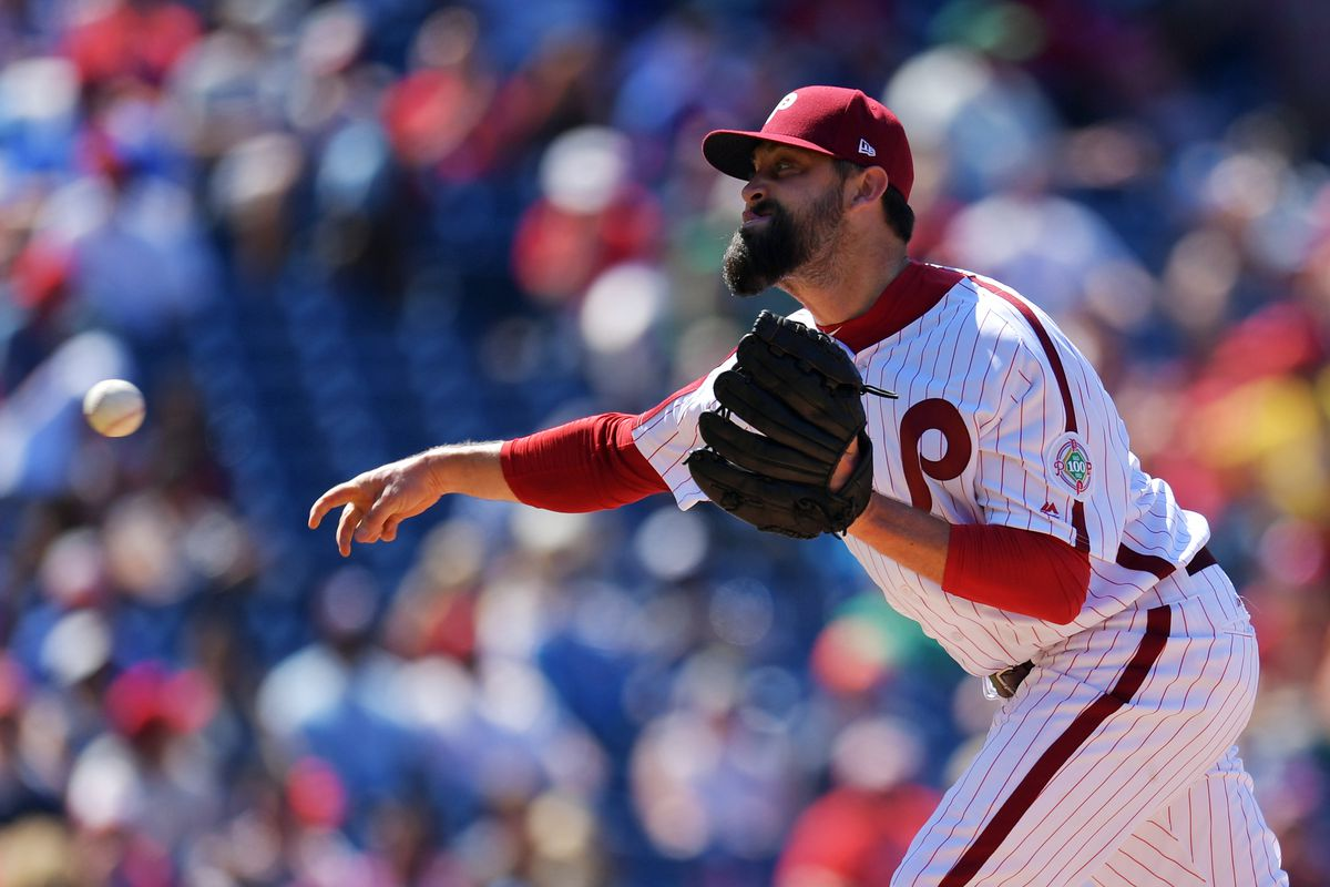 Rockies acquire Pat Neshek from Phillies for three prospects