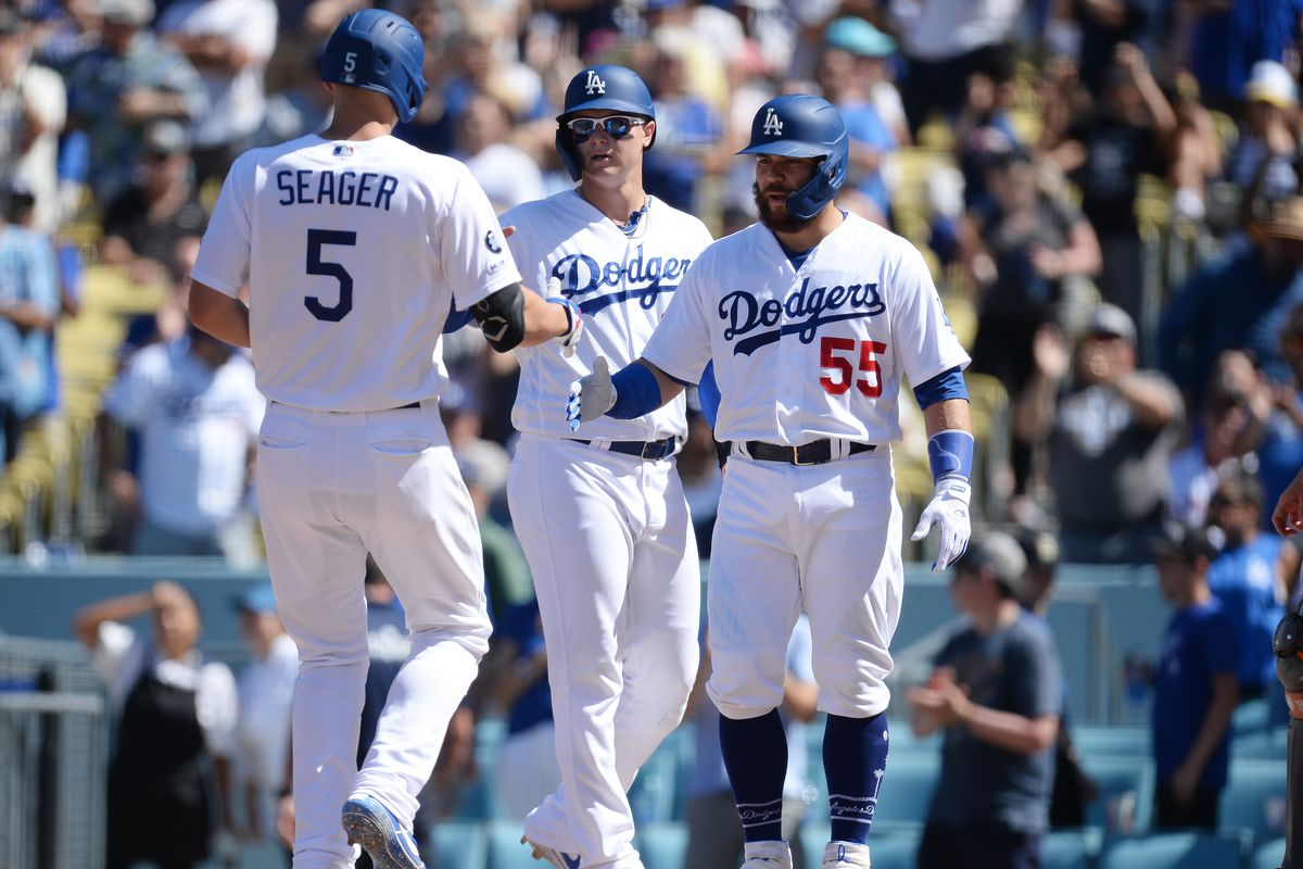 Dodgers shutout Giants, lower magic number to 2