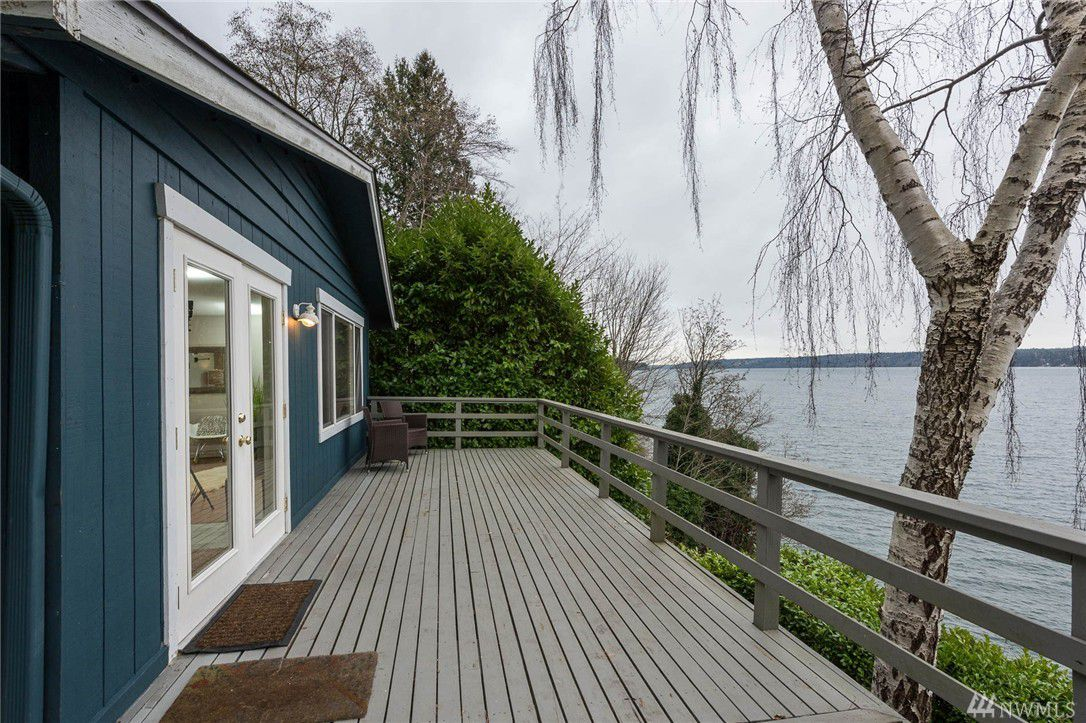 Vashon Cottage Perches By Colvos Passage Curbed Seattle