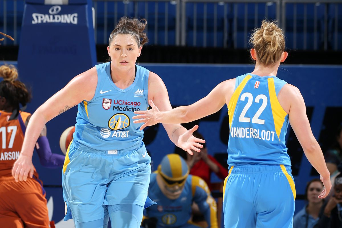 Stefanie Dolson, Courtney Vandersloot and Allie Quigley have agreed to re-sign with the Sky.