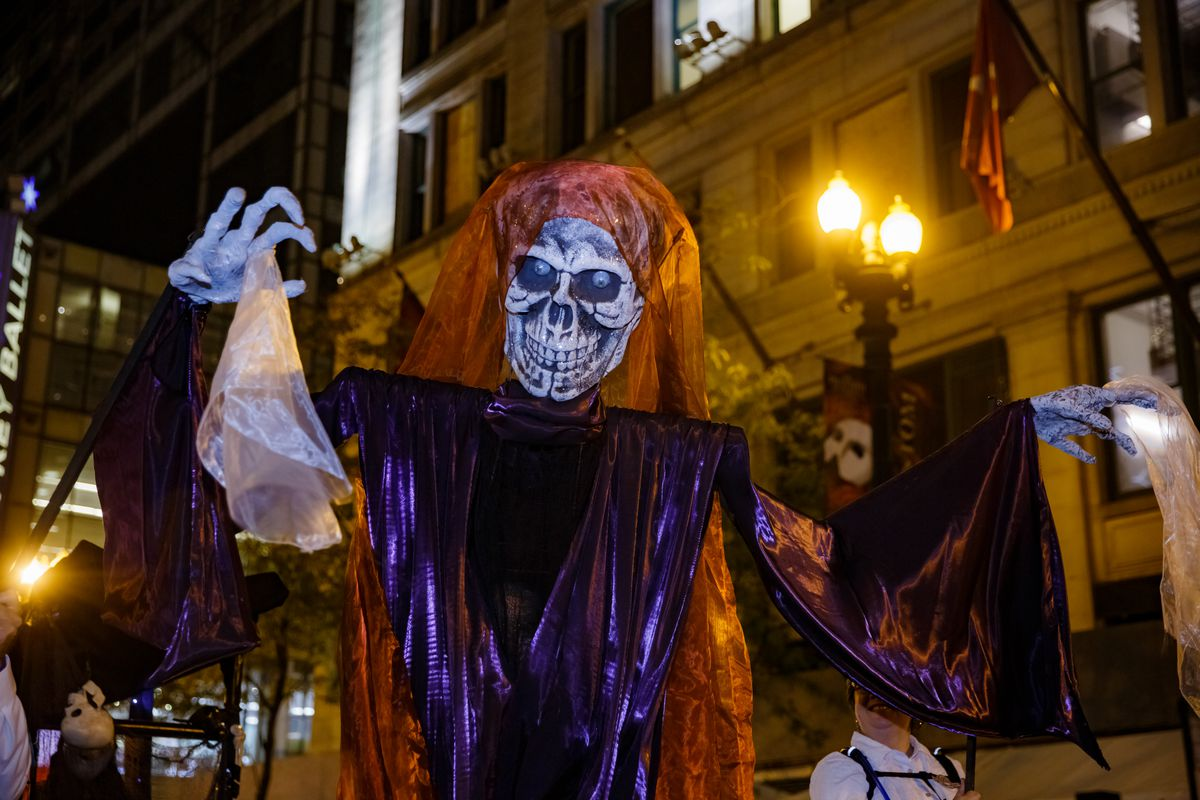 Things To Do In Chicago For Halloween Including A Drive Thru Parade Chicago Sun Times
