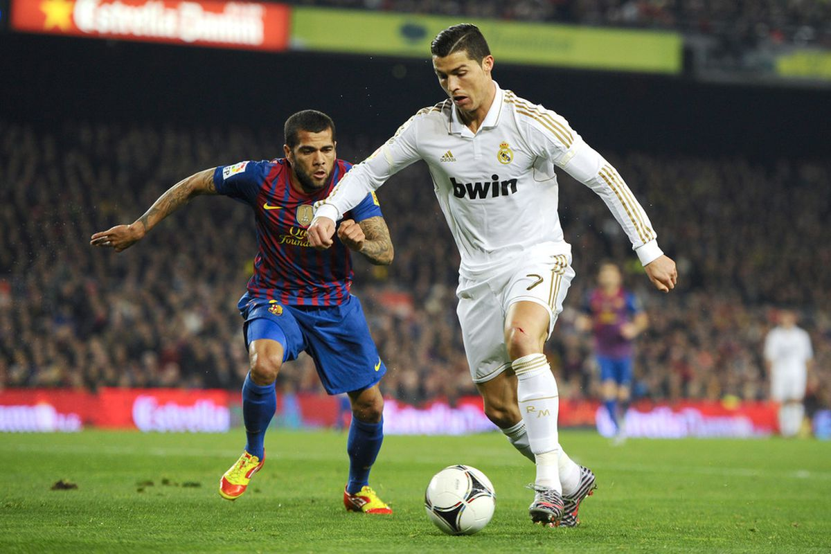 Dani Alves or Cristiano Ronaldo: who will be triumphant?  (Photo by David Ramos/Getty Images)