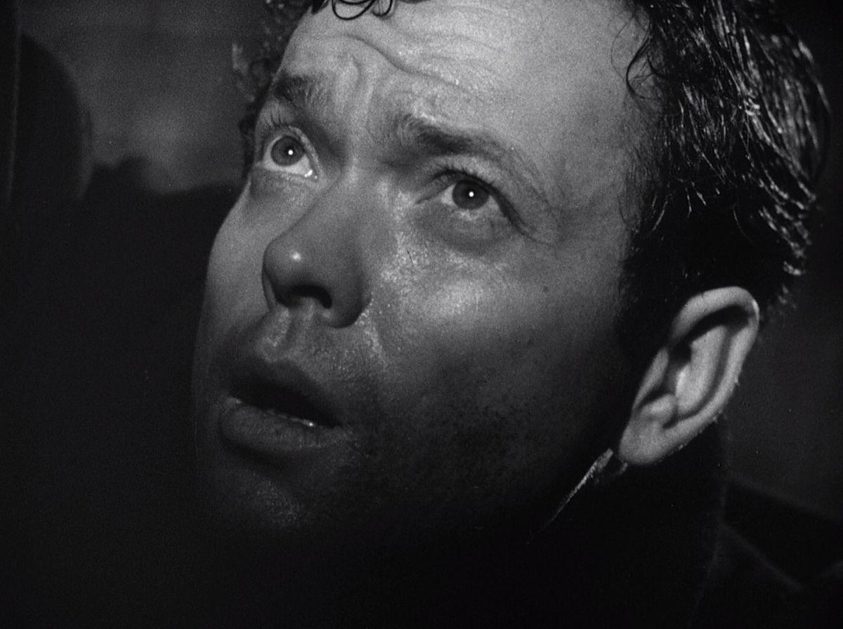 经典的黑色激发了侦探皮卡丘的坚韧一面
