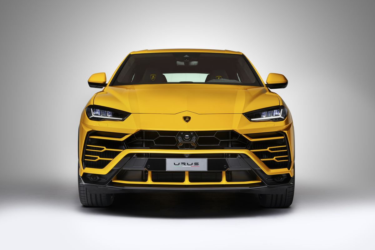 The Lamborghini Urus Is The Latest 200 000 Suv The Verge
