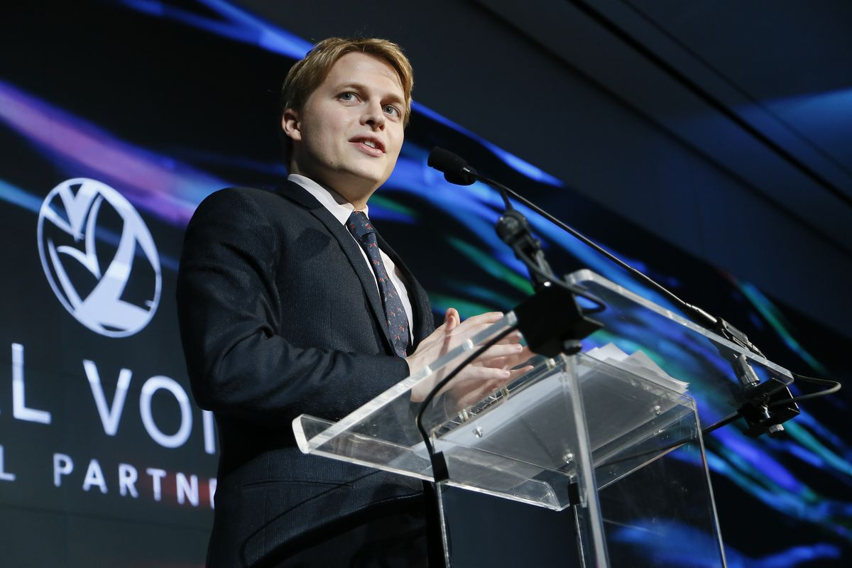 Ronan Farrow to produce series of investigative documentaries for HBO