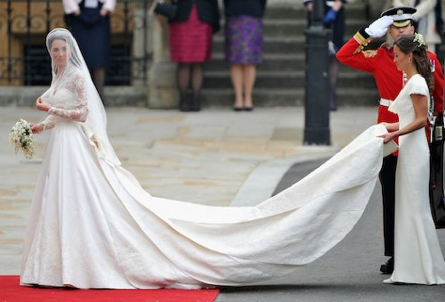 Close ups of kate middletons alexander mcqueen wedding gown racked close ups of kate middletons alexander mcqueen wedding gown junglespirit Images