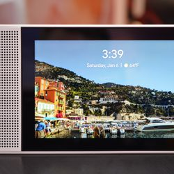 Lenovo and Google have created their own Echo Show that supports