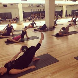 Some killer ab and leg action. Great form, guys!
