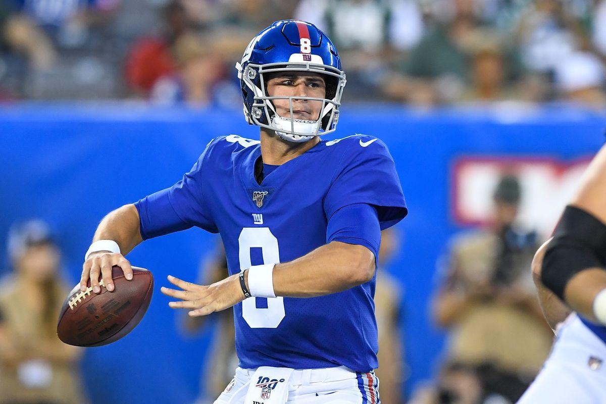 Giants' coach Pat Shurmur sticks to the quarterback script