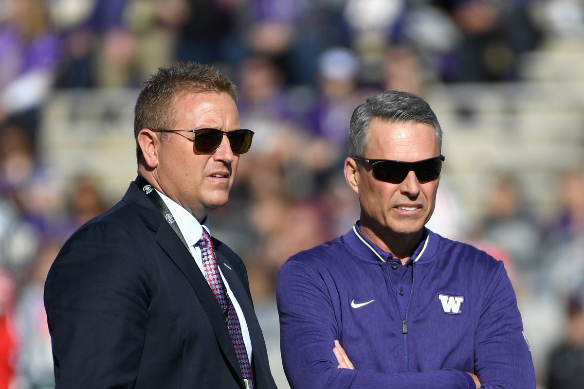 Very early 2019 Pac-12 bowl projections: Washington Huskies back in