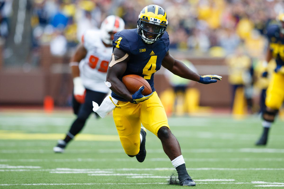 De'Veon Smith leads a potent running attack for the Wolverines.