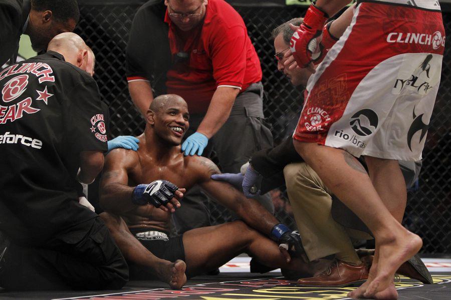 Strikeforce Live Blog: Antonio Silva vs. Daniel Cormier Updates