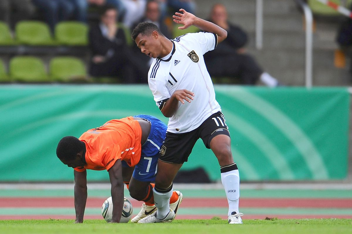 """Serge Gnabry, taking a break from football to practice the dance from """"Thriller"""""""