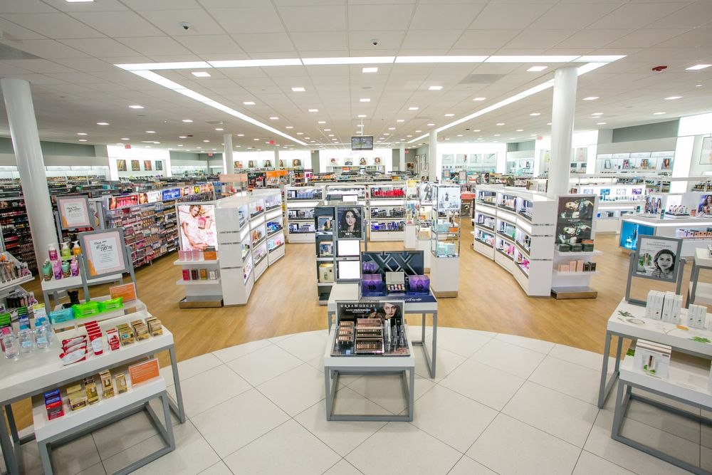 Why Do So Many Beauty Stores Look and Feel the Same? - Racked