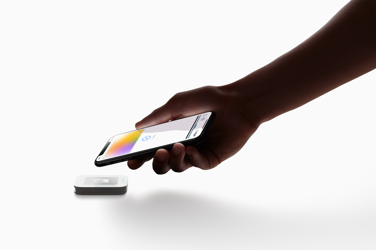 Apple starts selling its credit card backed by Goldman Sachs