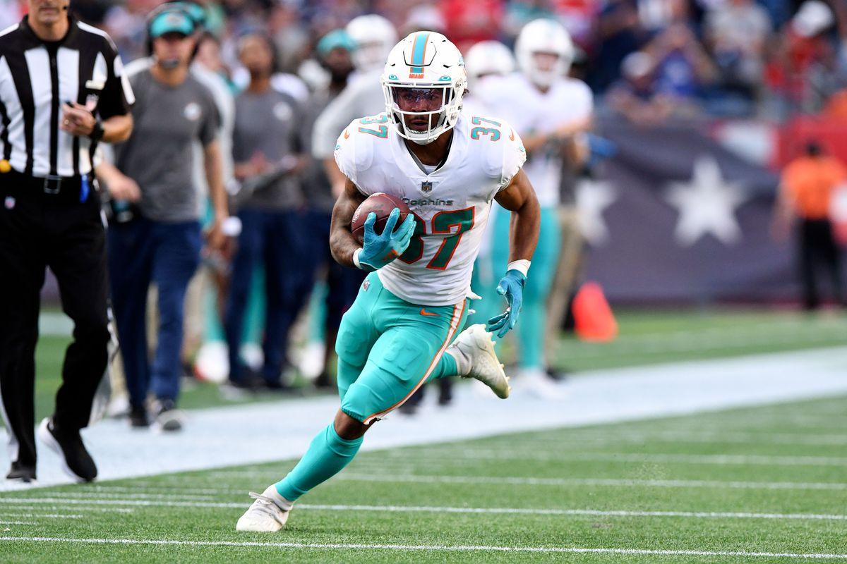 NFL: Miami Dolphins at New England Patriots