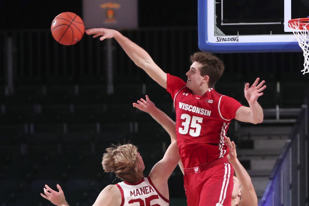 NCAA Basketball: Battle 4 Atlantis-Oklahoma vs Wisconsin