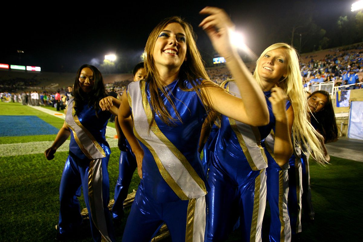 PASADENA, CA - OCTOBER 08:   It's a bye week -- everyone is in a good mood.  (Photo by Stephen Dunn/Getty Images)