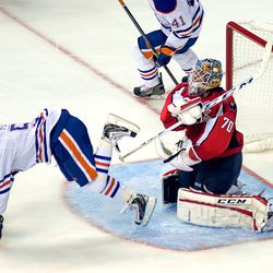Holtby Trips Up Perron