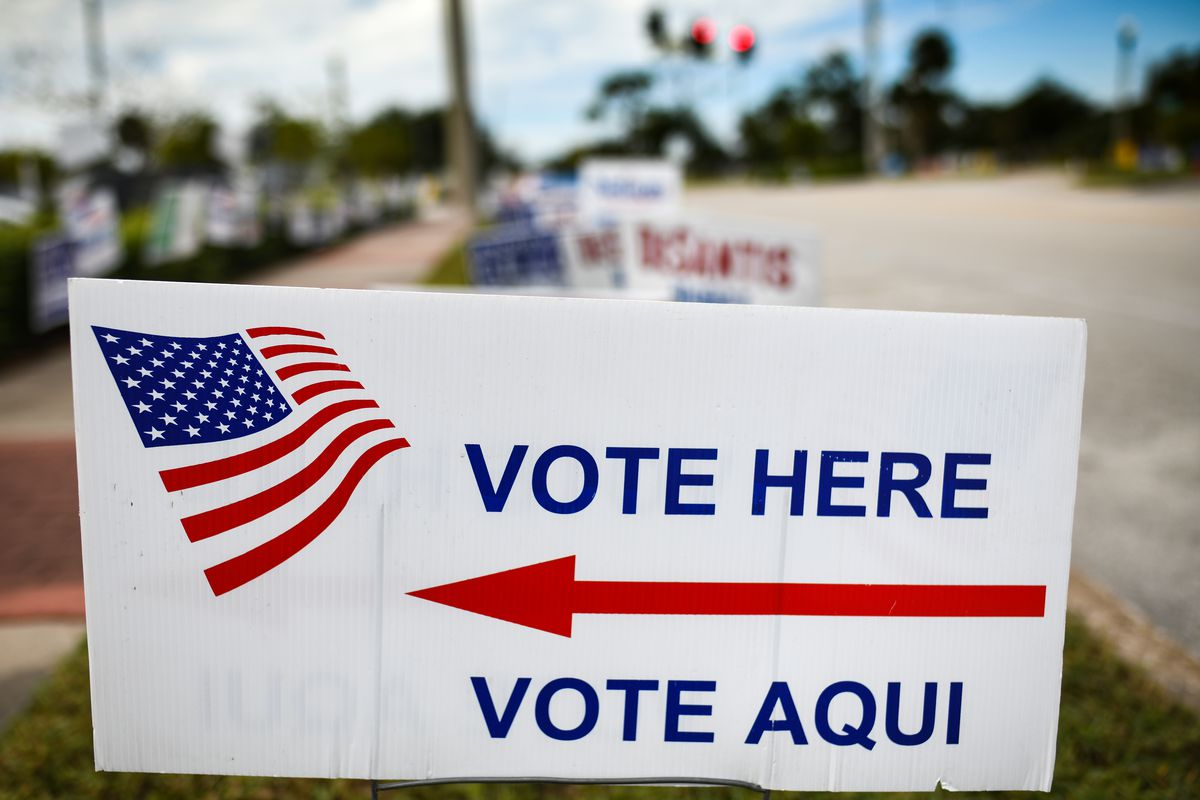 A bilingual voting sign in Florida in November 2018.