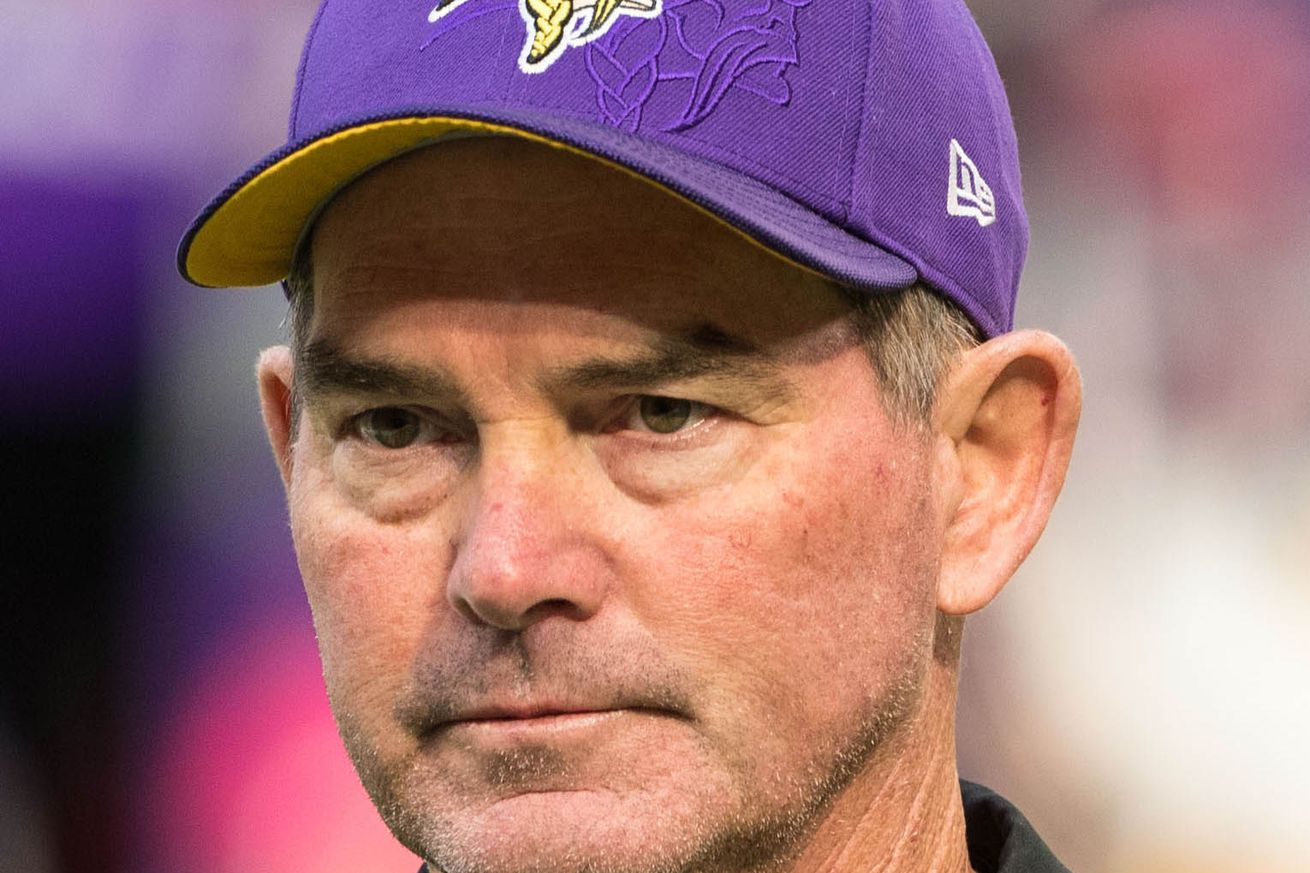 """Mike Zimmer Says His Eye Is Doing """"Great"""""""