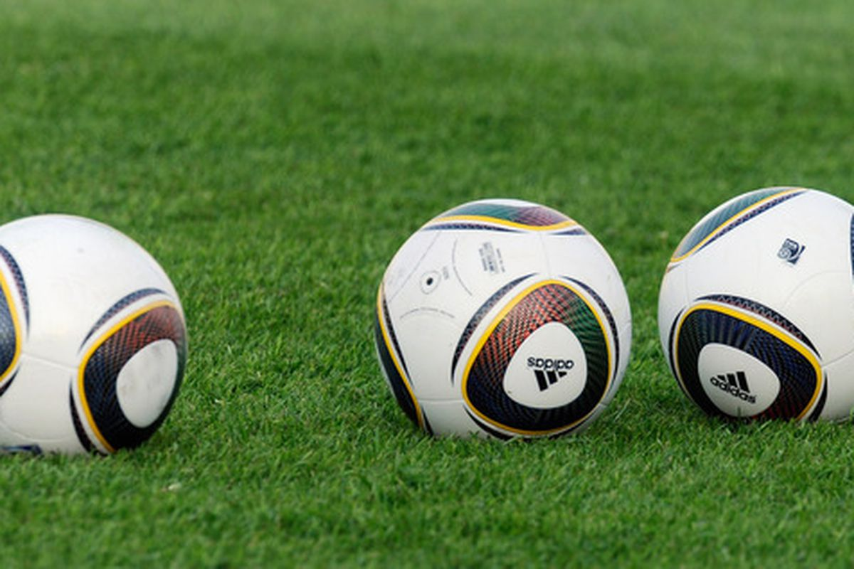 PRETORIA, SOUTH AFRICA - JUNE 03:  The new 2010 World Cup soccer balls  are seen during a training session of US national soccer team at Pilditch Stadium on June 3, 2010 in Pretoria, South Africa.  (Photo by Kevork Djansezian/Getty Images)