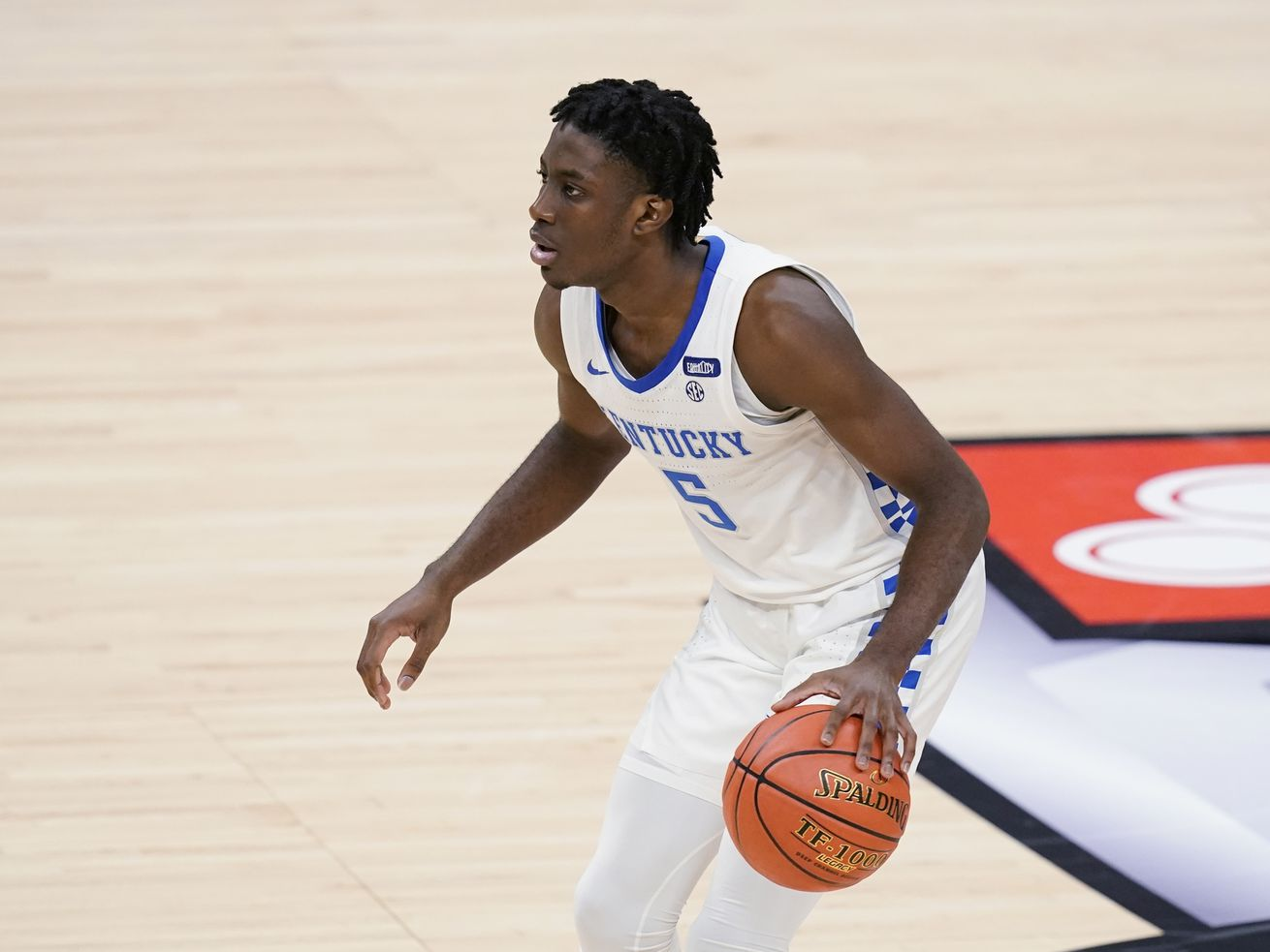 Kentucky says freshman guard Clarke died following a car accident in Los Angeles. He was 19.